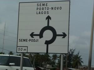 Un panneau au Bénin