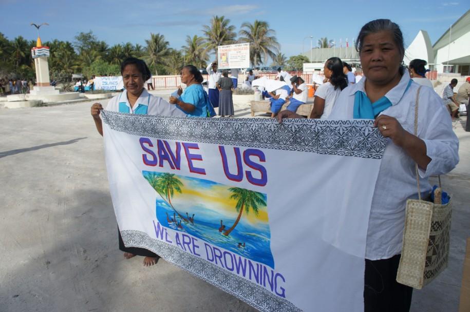 Le désespoir des Kiribatiens par 350 dot org