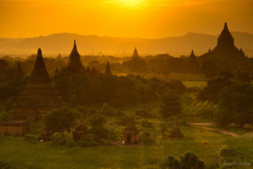 Coucher de soleil à Bagan par Martin Sojka