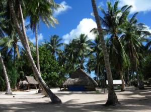 Un village des Kiribati par Jopology