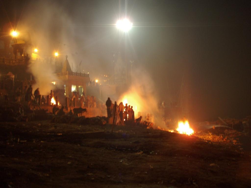 Des bûchers funéraires à Varanasi