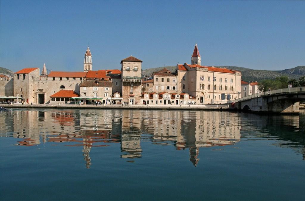 Le port de Trogir en Croatie